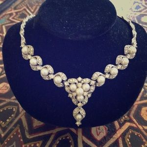 Gorgeous vintage paste pearl & rhinestone necklace